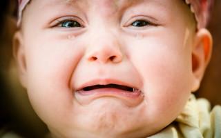 Как проявляется и чем опасна атерома у детей: диагностика и возможный план лечения