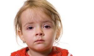В чем причина конъюнктивита у детей вирусного типа