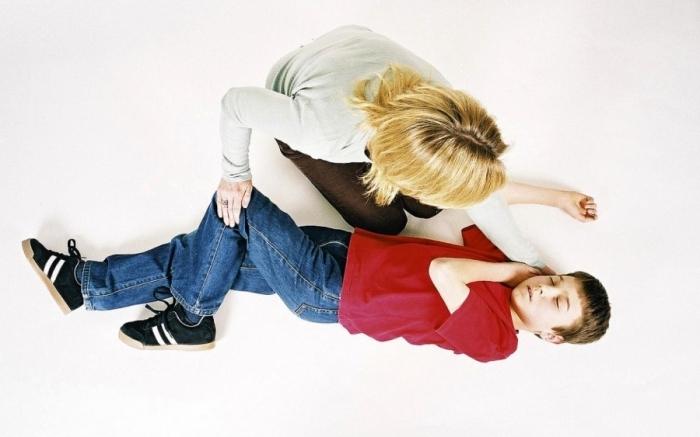 эпилепсия у детей - припадок у мальчика