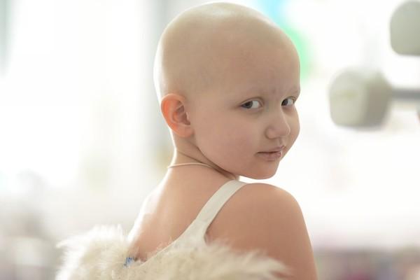 девочка после химиотерапии