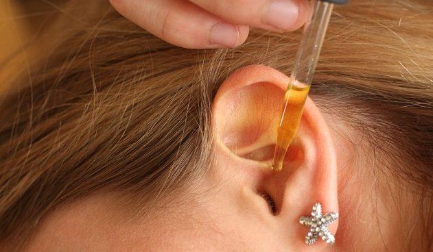 Камфорное масло в ухо