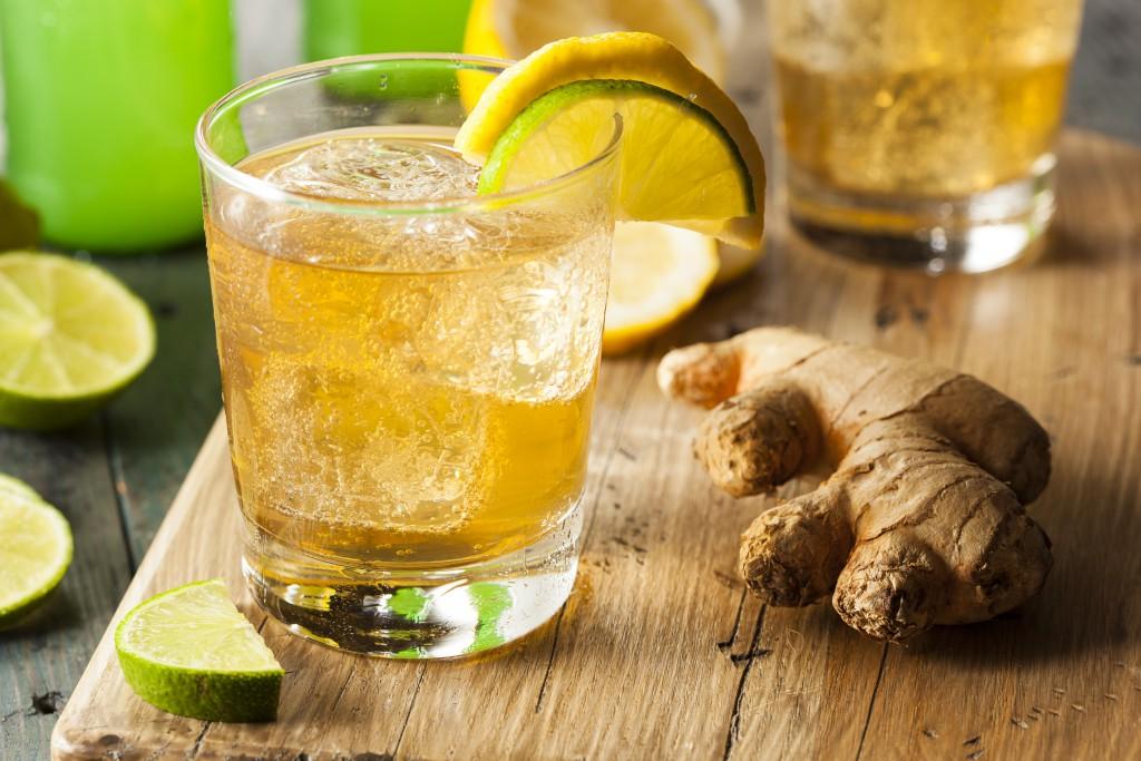 стакан лайм лимон настой с имбирем еще и со льдом